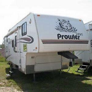 2004 Prowler Lynx 5th wheel 25.5BHS