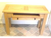 Premium High Quality Solid Light Oak Beautifully Grained Hall Table Console