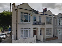 * No Agent * Spacious Double bedroom flat with private garden - Prime Fulham street. Good location