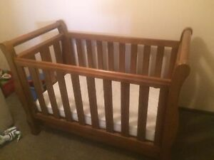 Love n Care Sleigh Cot Marrickville Marrickville Area Preview