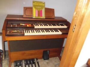 electric organ piano