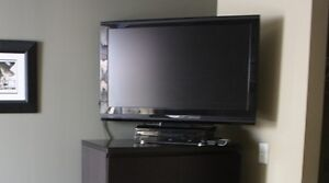 """Blu ray player and 37"""" tv"""
