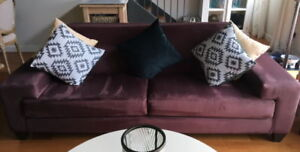 This sofa is just what you need to spruce up your living room!