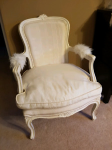 Off white vintage chair
