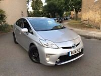 TOYOTA PRIUS 2014 MODEL VERY CLEAN CAR ONE OWNER FROM NEW FULL HISTORY REVERSE CAMERA UK MODEL