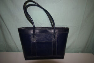 NAVY LEATHER HAND BAG