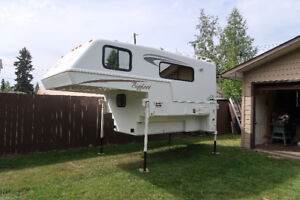 2008 Bigfoot 9.6 Camper for long box