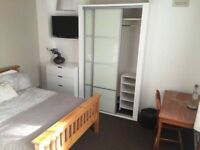 *** NEW BRAND 4 BEDROOM FLAT WITH MODERN DOUBLE ROOM ALL INCLUDED CLOSE TO THE CITY!!