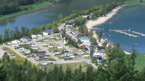 SUBDIVIDEABLE LAKE VIEW DEVELOPMENT OPPORTUNITY!