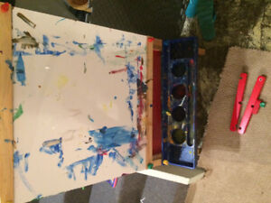 Free paint easel