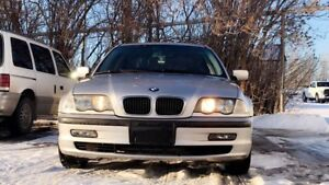 *PRICE REDUCED AND NEGOTIABLE* 2000 BMW 323i