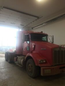 2002 t800 fluid truck with only 209228 miles