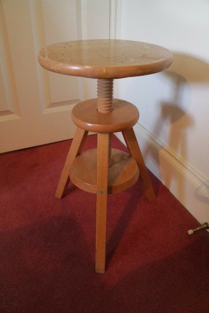Wood Stool with adjustable height