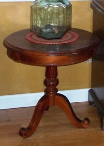Foyer/End Table