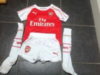 Child's Arsenal Football kit age 3-4