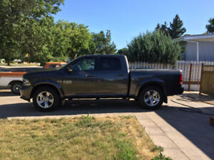 2014 Dodge Ram 1500 Sport Crew Cab - LOW KM'S