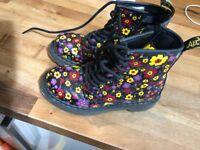 Children's Dr Marten floral boots size 11