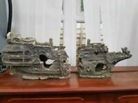 Ship fish tank ornament