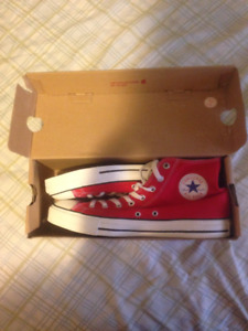 Men's CHUCK TAYLOR CORE HI red canvas sneakers (New)
