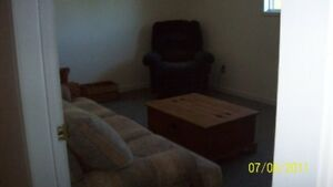 1 Bedroom apartment PLEASE CALL 627-1386 TO VIEW