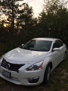 **AMAZING CONDITION**2013 Nissan Altima 2.5 S Sedan