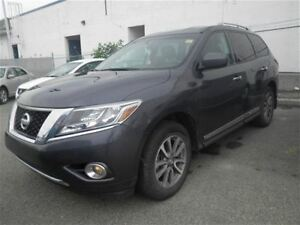 2014 Nissan Pathfinder SL | Leather | Heated Seats| Back UP Came