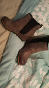 Sorel grey wedge boots