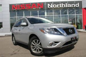 2016 Nissan Pathfinder SV/Bluetooth/Heated Seats/4WD