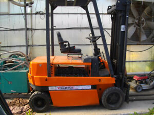 DIAMOND ELECTRIC FORKLIFTS