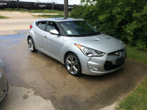 2012 Hyundai Veloster Tech pkg. 3 door/ touchscreen
