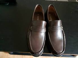 MEN'S BROWN LEATHER SLIP ON SHOES SIZE 8.BRAND NEW