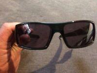 Bench BCH016 black wraparound sunglasses new