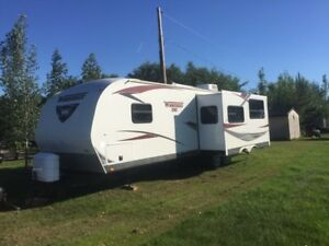 2013 Winnebago 32BH Travel Trailer