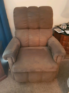 Brown Lazy Boy Chair for Sale!