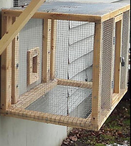 RABBIT OR PIGEON CAGE FOR SALE WITH HINGED DOOR AND LOCK LATCH