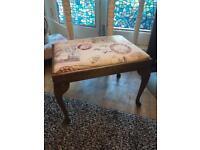 BEAUTIFUL DRESSING TABLE STOOL/ PIANO STOOL