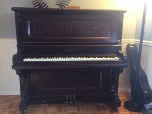 Piano William Gilbert
