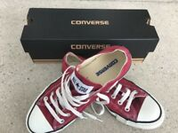 Converse All Star - maroon size 6 (excellent condition)