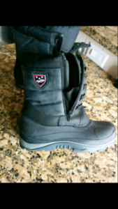 Size 7 brand New winter Boot