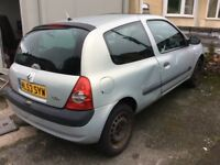 2003 Renault Clio 1.2-October 2017 mot-px to clear