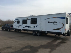 Prowler Shadow Edition with Rear Bunks & Outdoor Kitchen