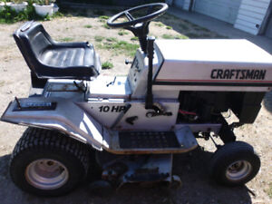 Craftsman Lawn Tractor Great Condition!