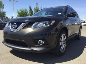 2014 Nissan Rogue SL AWD Leather,  Heated Seats,  Back-up Cam,