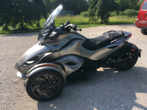 2013 Can Am Spyder STS.  Only 1681 KLM