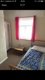 2 Rooms £320pm-bills included