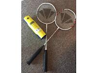 2 badminton rackets(5 badmintons for free)