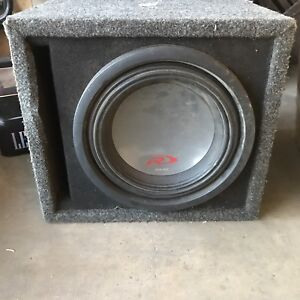 Alpine type r sub. 10 inch in ported box