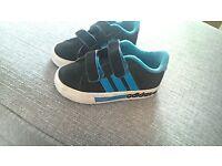Adidas kids Trainers size 7 UK