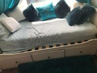 BRAND NEW & IN AMAZING CONDITION DAY BED ONLY 1 week old