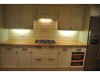 LOVELY DOUBLE Room..in Plaistow E13 0JR £590pm (ALL BILLS INCLUDED) AVAILABLE NOW !!